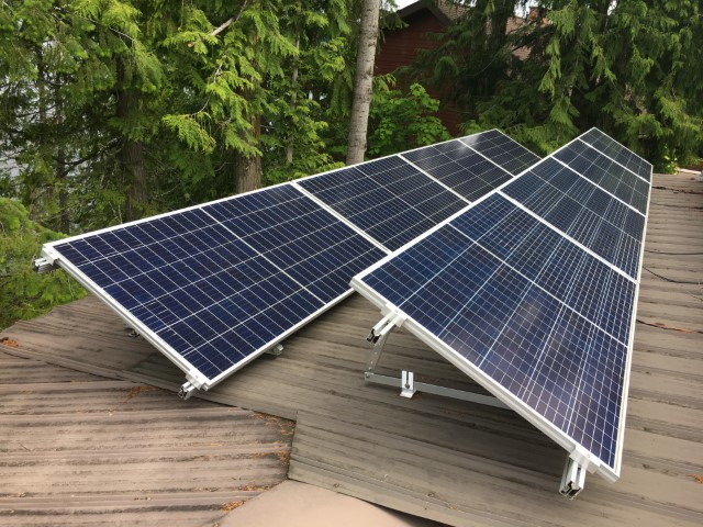 8 Canadian Solar CS3U-345P – KuMax Poly, Silver Frame modules in Eagle Bay