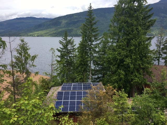 26 Canadian Solar CS3U-345P – KuMax Poly, Silver Frame modules in Eagle Bay